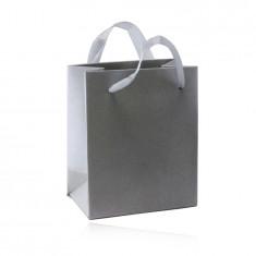 Хартиена подаръчна торбичка – сребрист цвят, гладка, сатенена повърхност