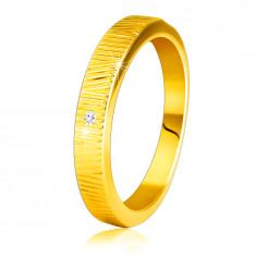 Диамантен пръстен от 14К жълто злато - фини, декоративни резки, прозрачен брилянт, 1.5 мм