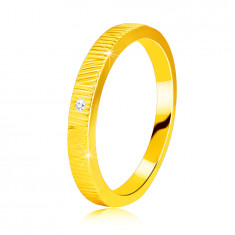 Диамантен пръстен от 14К жълто злато - нежни резки, прозрачен брилянт, 1.3 мм