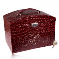 Кутия за бижута куфар в цвят бордо, крокодилска шарка, метални детайли в сребърен нюанс