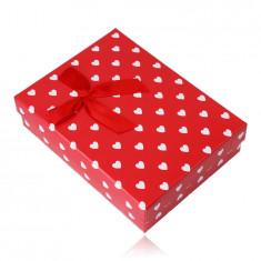 Подаръчна кутия за верижка или комплект - бели сърца, червен фон